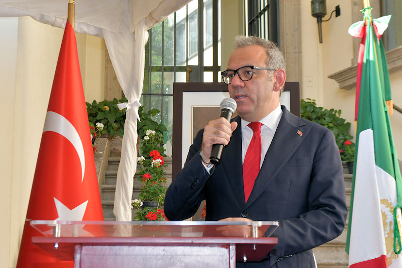 Tahsin Timur Söylemez, embajador de Turquía