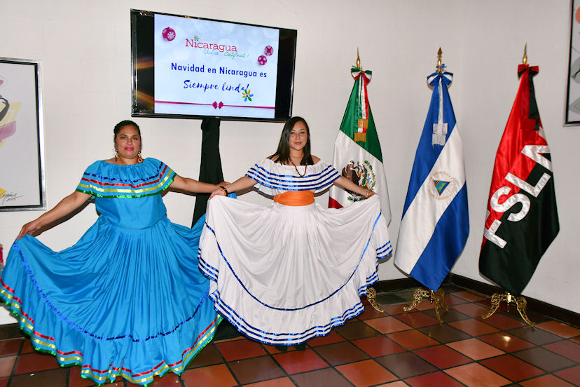 Sandra Pérez y Michelle Flores