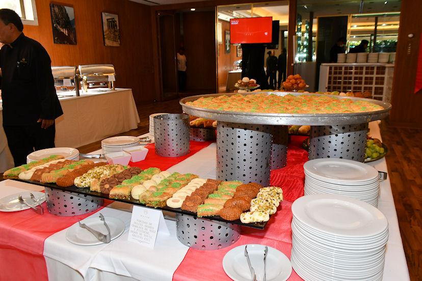 Una variedad de platillos salados y postres de la gastronomía turca y árabe, disfrutaron los asistentes