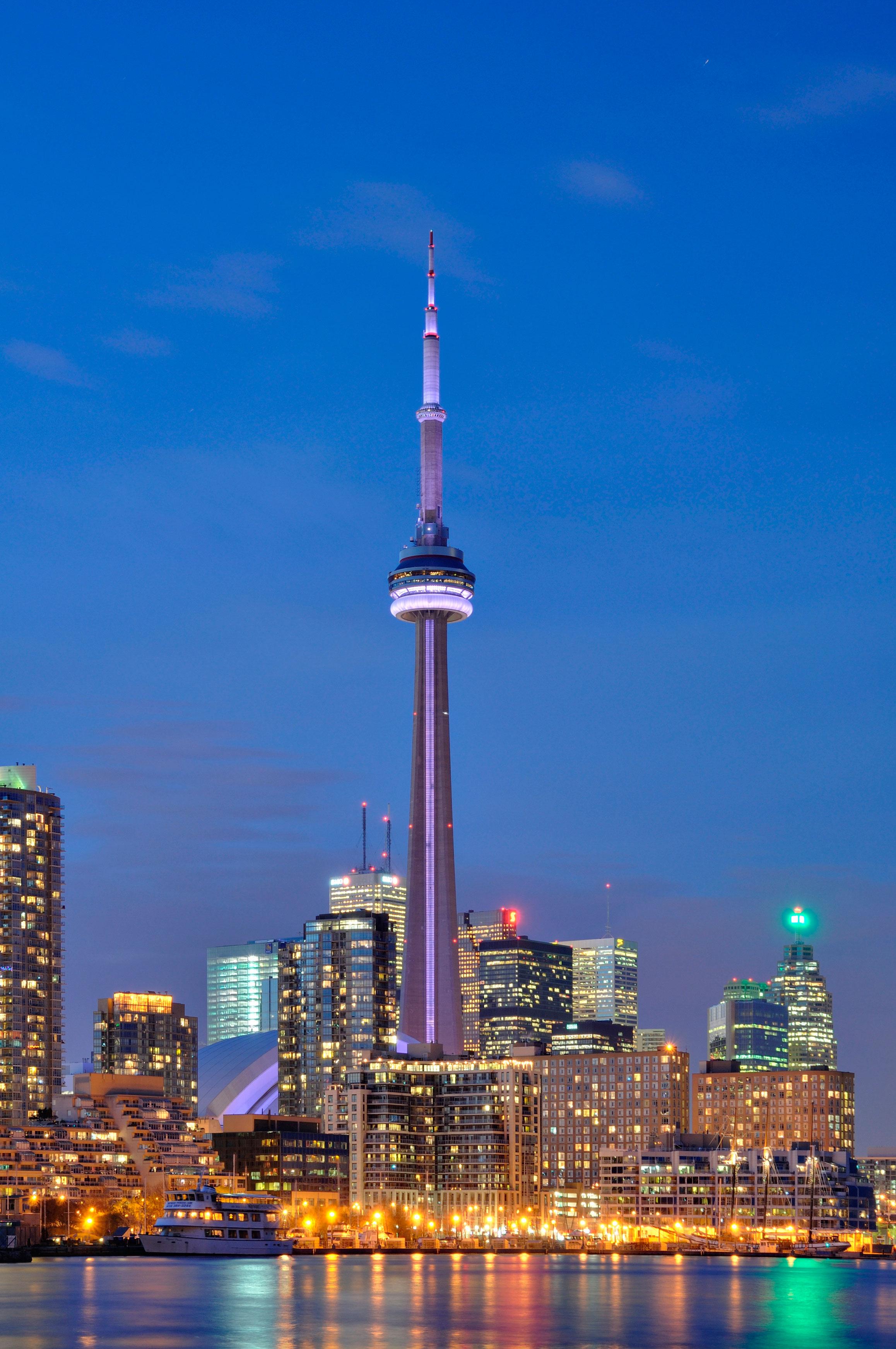 ¿Ganas de viajar en otoño?, visita Toronto