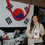 Celia Moreno estuvo a cargo del stand de la República de Corea