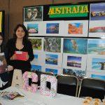 María del Pilar Carrera y Ana Karen Villareal organizaron el stand de Australia