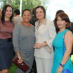 Nanees Riad, Sandra Grant, embajadora de Jamaica, y las esposas de los embajadores de la Delegación Especial de Palestina y Jordania.