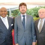 Leovigildo da Costa, embajador de Angola; Javier Vega y Sergio Rascón.