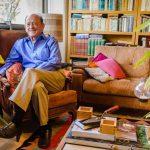 A sus 82 años, el arquitecto Daniel Camhi sigue diseñando y creando