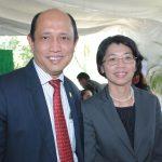 Mohammad Azhar bin Mazlan, embajador de Malasia, y Rommanee Kananunak, embajadora de Tailandia