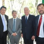 Víctor García, Alejandro Torres, Arturo Romero Duarte Ortiz, embajador de Guatemala, y Carlos Escobedo