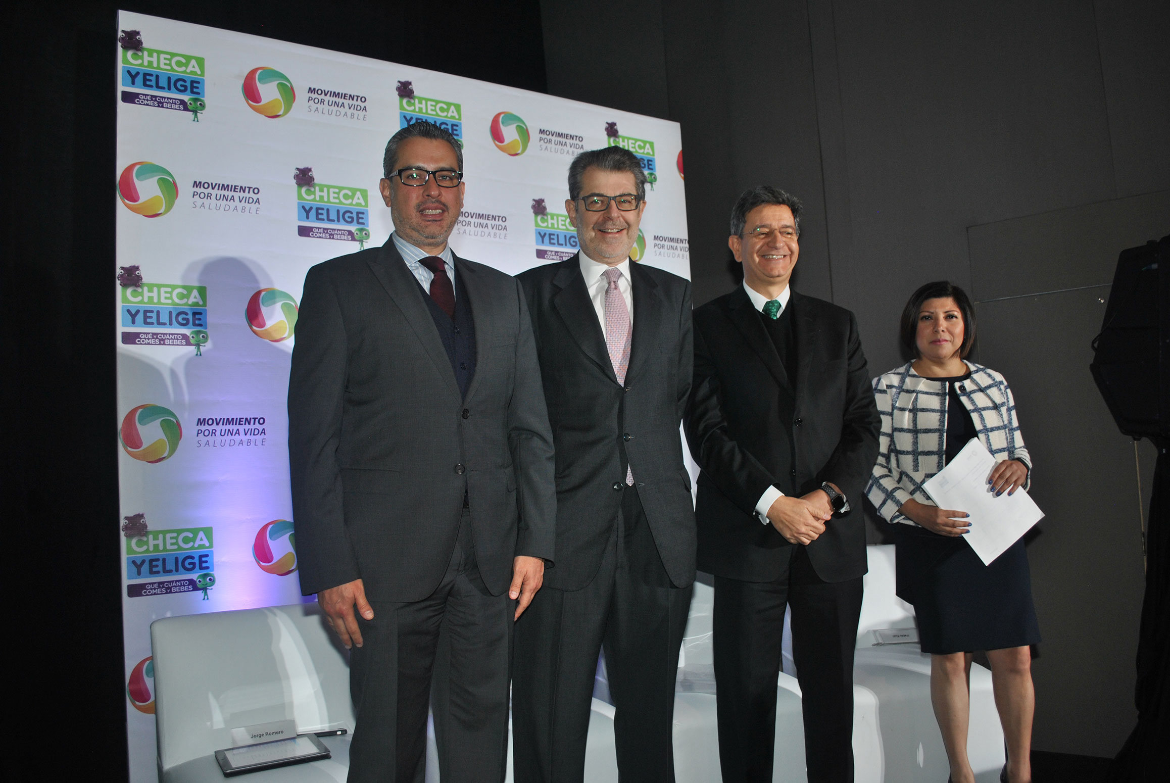 La campaña fue presentada por Jorge Romero, comisionado de Fomento Sanitario de la Cofepris; Jaime Zabludovsky, presidente ejecutivo de Movisa; Pablo Kuri, subsecretario de Promoción de la Salud de la Ssa, y Ericka Quevedo, directora general de Movisa