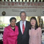 Agradece Carlos Liao a becarios mexicanos con una comida