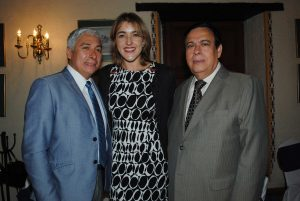 Oliver del Cid, embajador de Belice; Cristina Casado, gerente internacional de Flor de Caña, y Aníbal Quiñónez, representante de la OEA.