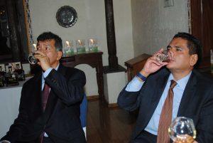 Federico Lamont y Alden Rivera, embajador de Honduras