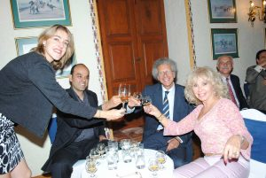 Cristina Casado, gerente internacional de ron Flor de Caña; José Luis Martínez, Luigi Macotta, embajador de Italia, y Wendy Coss.