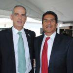 Jonathan Peled, embajador de Israel, y Saúl Báez. Revista Protocolo Copyright©