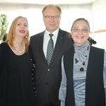 Therese Margolis con Ruslan Spírin, embajador de Ucrania, y su esposa, Svillana Spírin. Revista Protocolo Copyright©