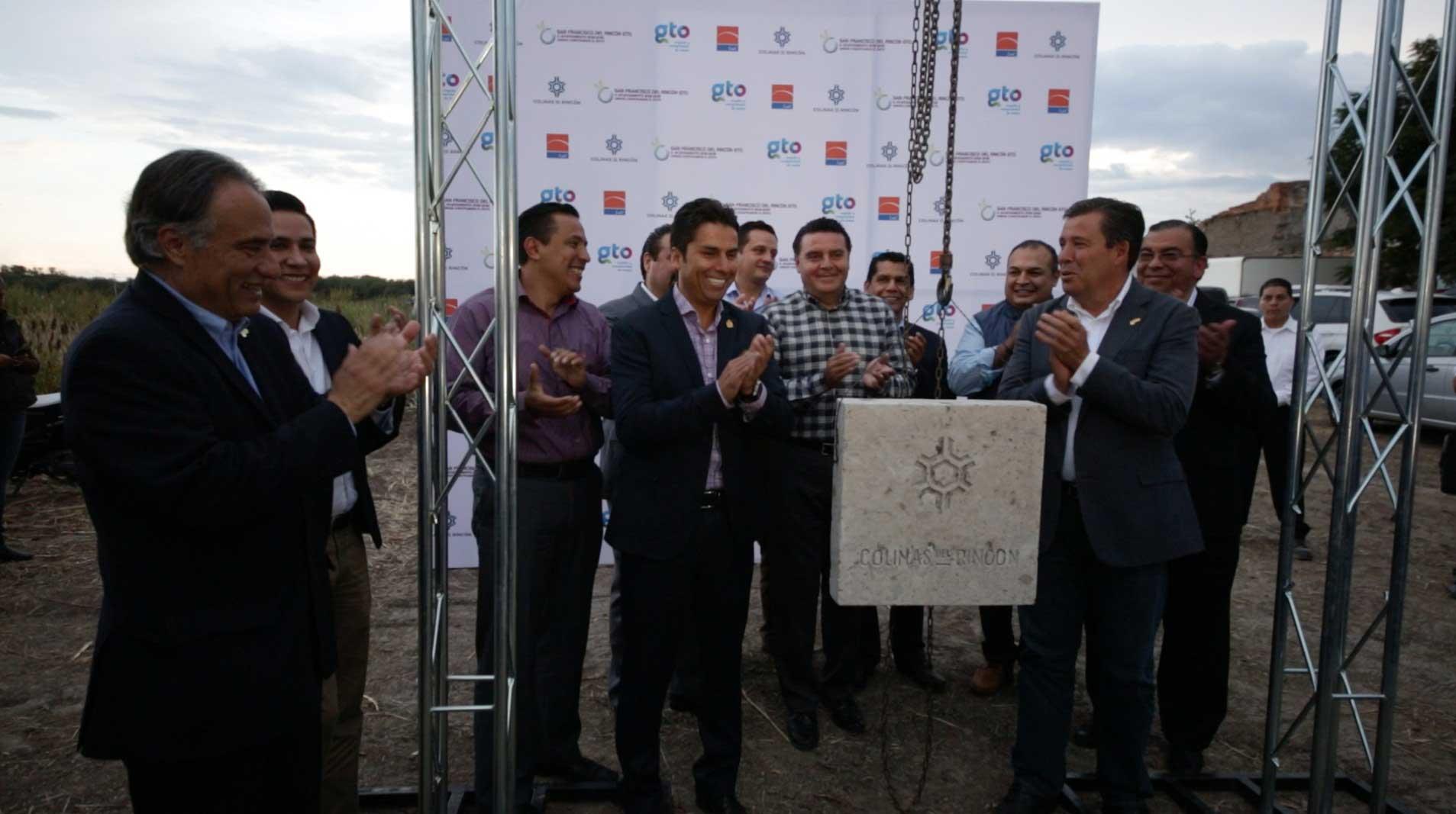 Colocación de la primera piedra del parque industrial Colinas del Rincón en Guanajuato