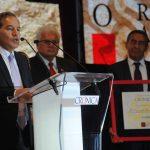 Gerardo Herrera Corral fue merecedor al Premio Crónica en el área de Ciencia y Tecnología. Revista Protocolo Copyright©