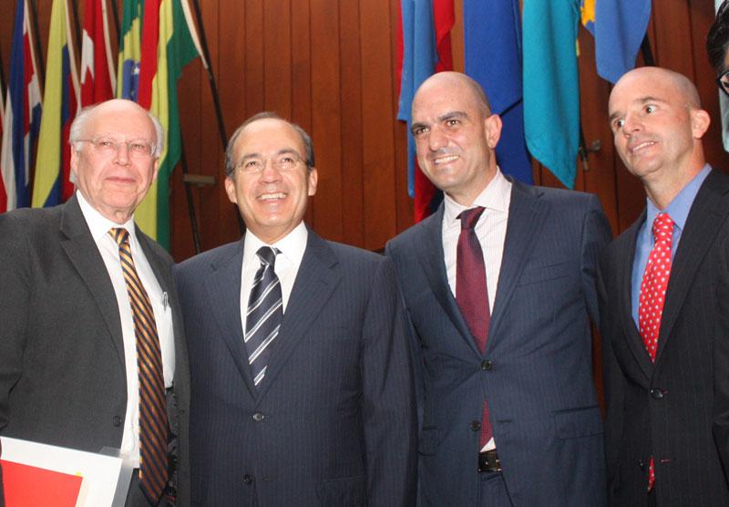 José Narro, rector de la UNAM; Felipe Calderón, Daniel Karam y José Antonio González Anaya