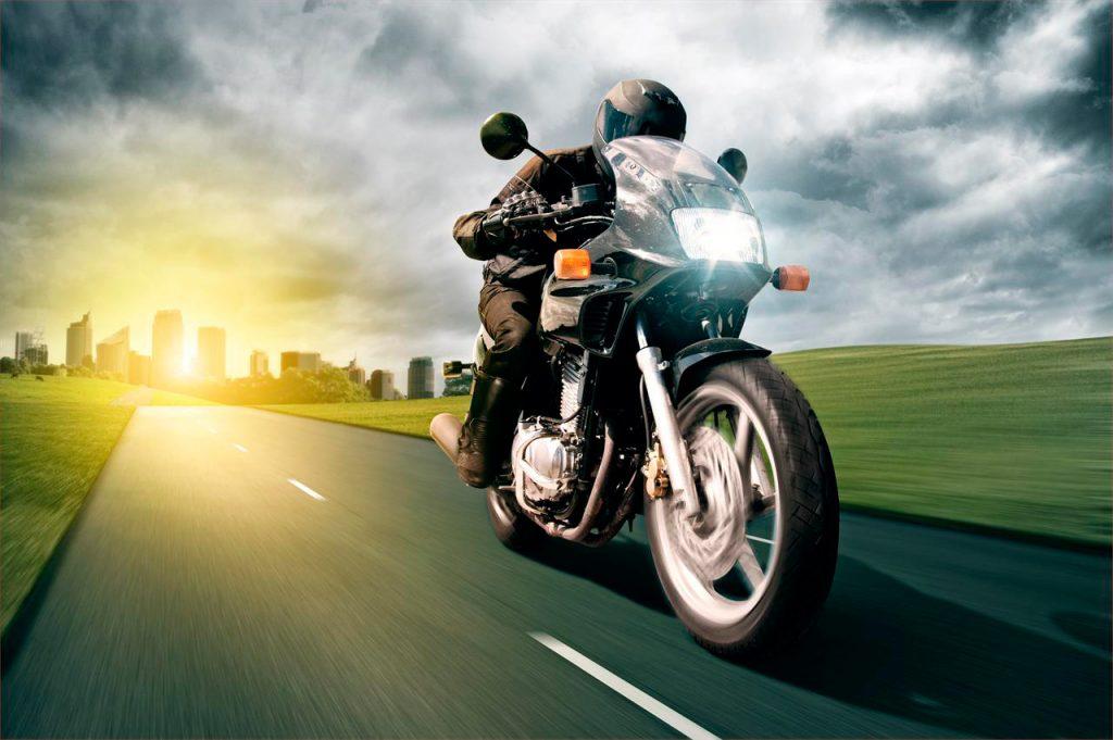¿Conoces el decálogo de conducción para motociclistas?