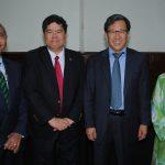 Yasser Mohamed Ahmed Shabán, embajador de Egipto; Eduardo José Atienza de Vega, embajador de Filipinas; Beeho Chun, embajador de la República de Corea, y Emilia Azhar, esposa del embajador de Malasia