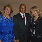 Eneida López, Fernando Antonio Pérez Memén, embajador de República Dominicana, y Wendy Coss
