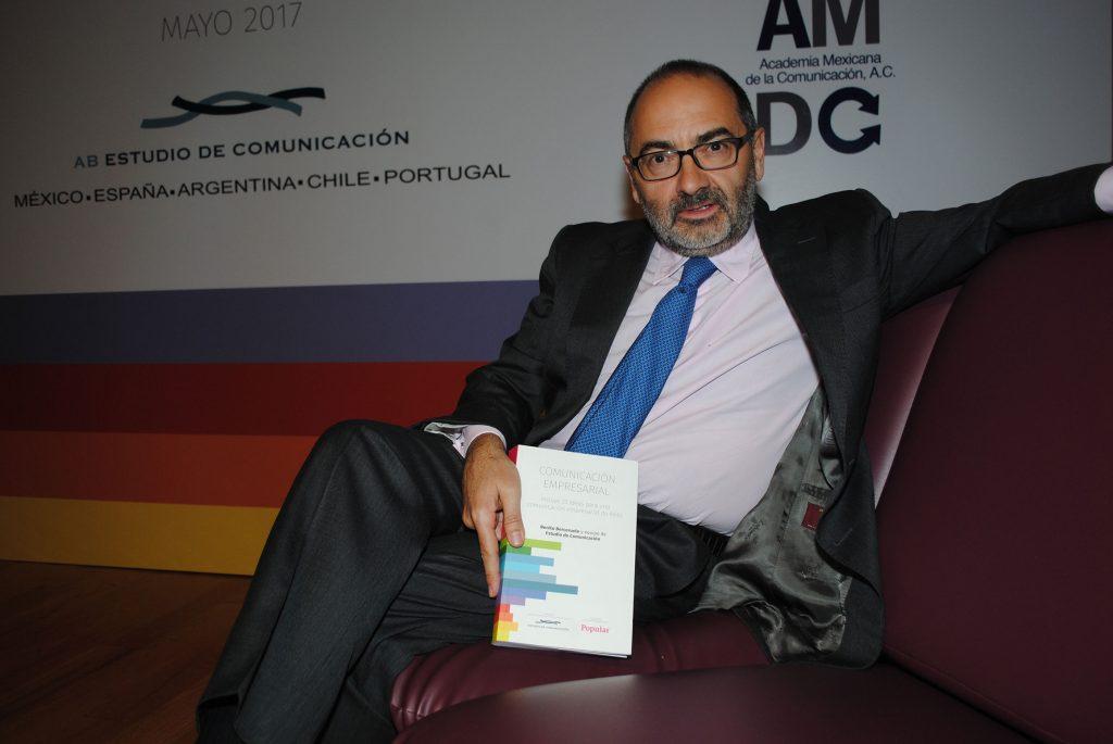 Benito Berceruelo presentó el libro Comunicación empresarial. Incluye 33 ideas para una comunicación empresarial de éxito. Revista Protocolo Copyright©