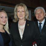 Aneka Sonhiprsa, con Eva y L'ubomir Hladík, embajador de Chequia