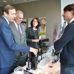 Se realiza con éxito exposición de vinos de España