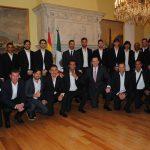 Futbolistas de primera división se reúnen con el embajador de España