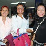 Yara Bobadilla, Elizabeth Vázquez y Karmen Silva. Foto: Revista Protocolo Copyright©