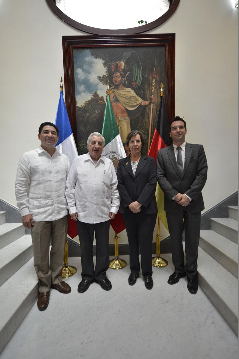 El gobernador de Tabasco se reunió con diplomáticos