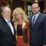 Olegario Vázquez Raña, Wendy Coss e Ignacio Anaya. Revista Protocolo Copyright©