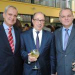 Jorge Roza de Oliveira, embajador de Portugal; Ara Aivazian, embajador de Armenia, y Evagoras Vrionides, embajador de Chipre