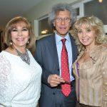 Diamandula Sirmalis, Luigi Maccotta, embajador de Italia, y Wendy Coss