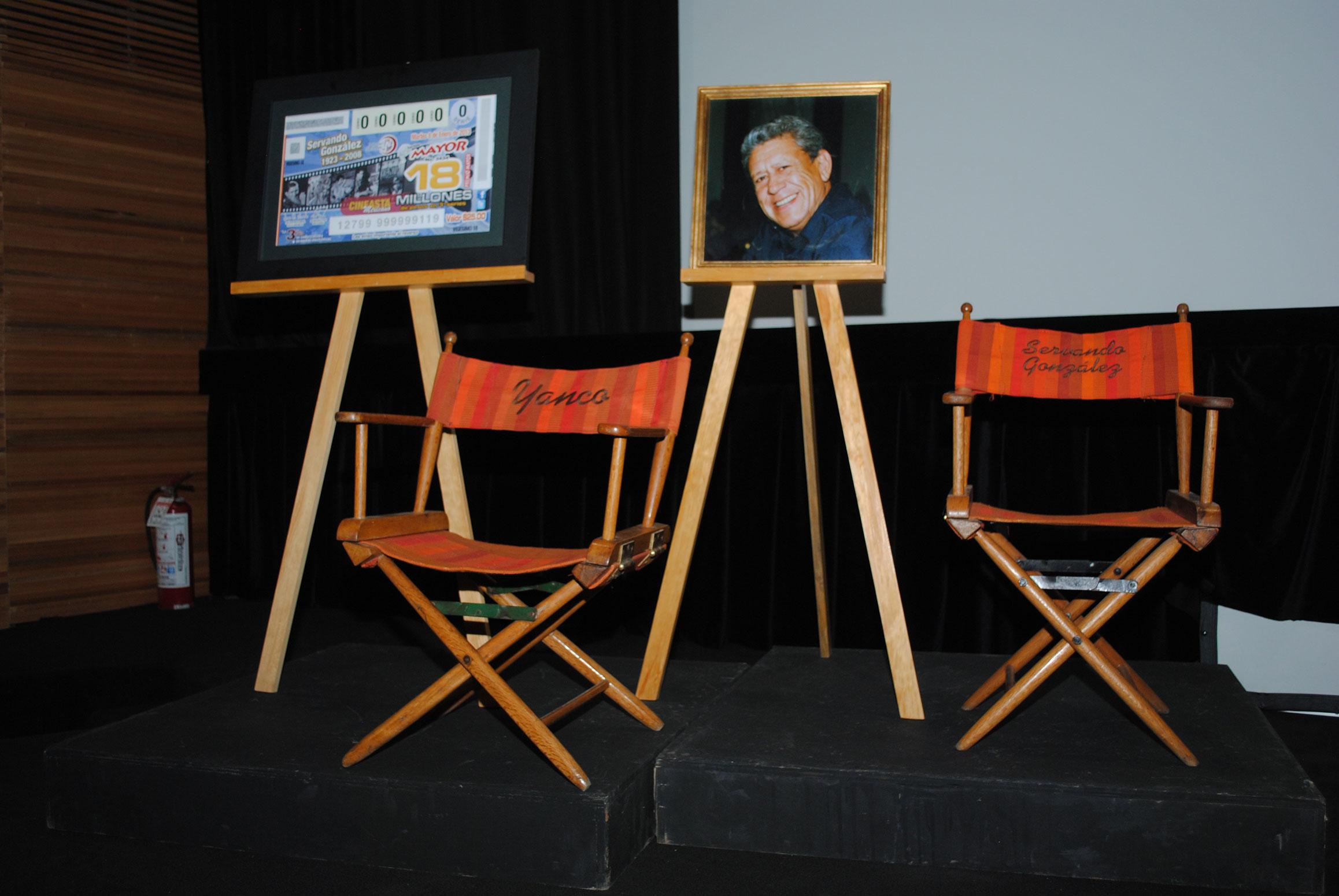 Las sillas que utilizó Servando González para dirigir, fueron parte del homenaje póstumo que, recientemente, le realizó la Cineteca Nacional