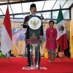 El festejo de Indonesia en idioma español