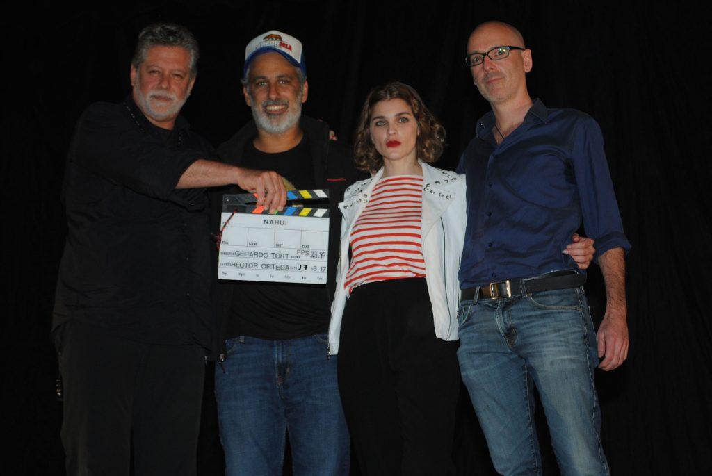 El director Gerardo Tort; los actores Julio Bracho e Irene Azuela, y el productor Jaime Romandia. Revista Protocolo Copyright©