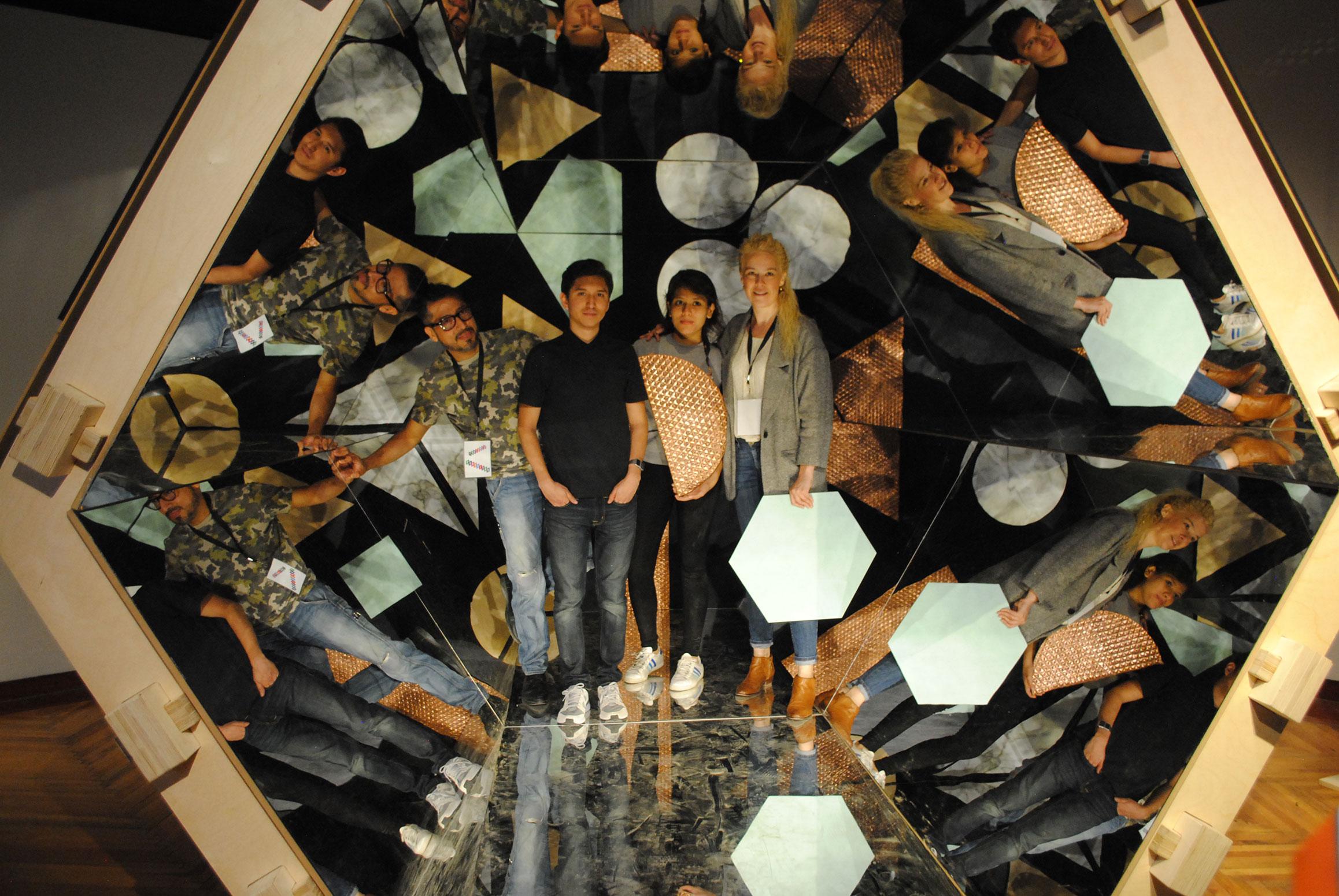 Caleidoscopio interactivo diseñado por el colectivo Escatolab que conforman Marcos Huitrón, Erick Delgadillo, Alejandra Fermoso y Xóchitl Herrera