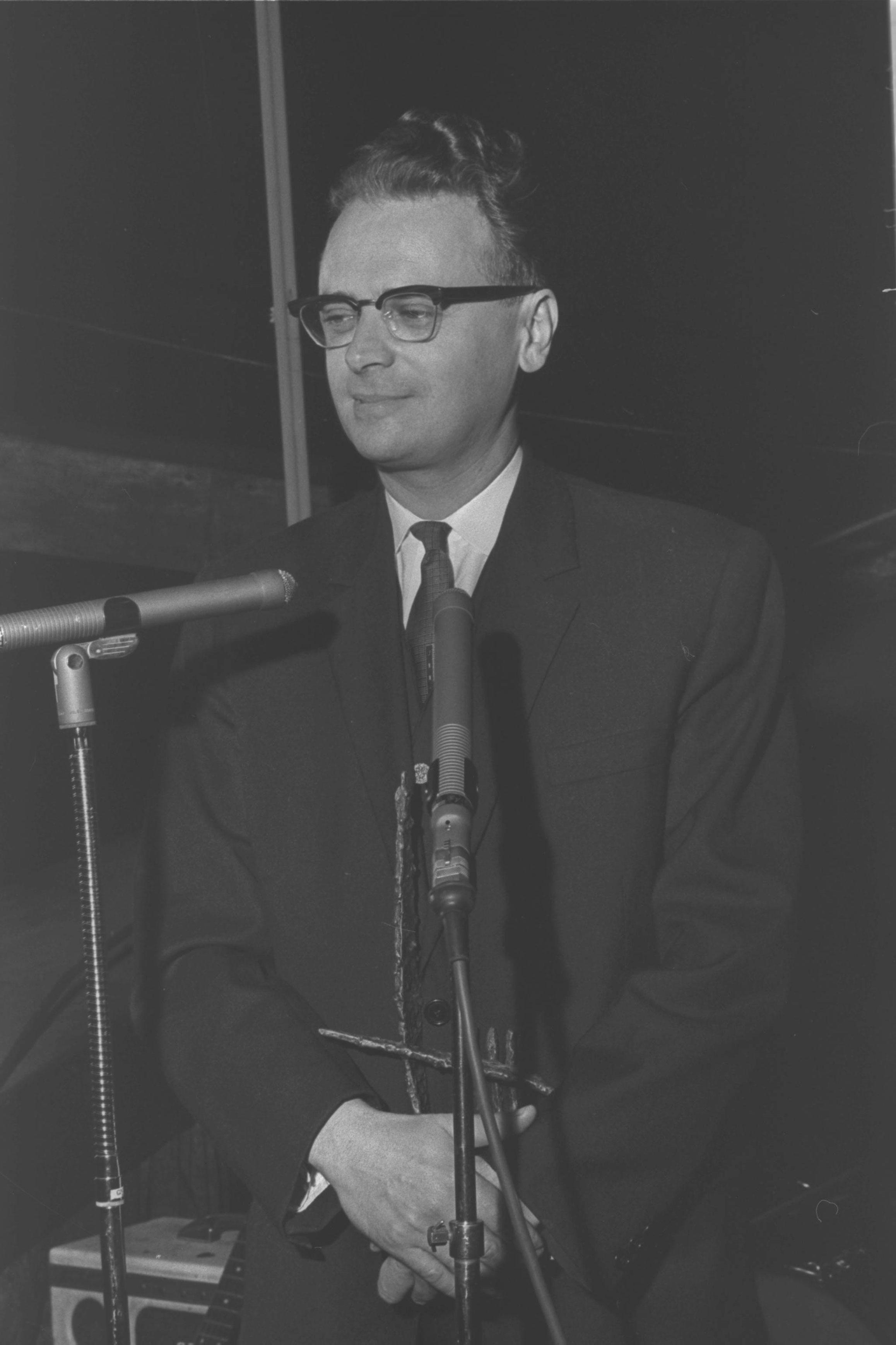 Ephraim Kishon, considerado el mejor director de cine israelí de todos los tiempos