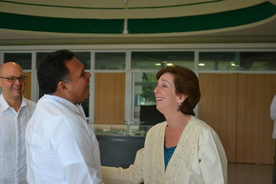 La embajadora Roberta Jacobson se reunió con el gobernador de Yucatán, Rolando Zapata