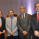 Alejandro Ramos, Adrián Muñoz, Aitzaz Ahmed, embajador de Pakistán, y Amauri García
