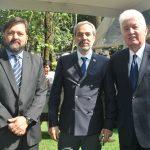 Carlos Escobedo, Zurav Eristavi, embajador de Georgia, y Arturo Romero Duarte Ortiz, embajador de Guatemala