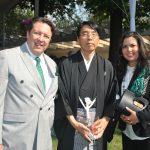 Sam Lobo, Akira Yamada, embajador de Japón, y Lorena de Lobo