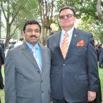 Muktesh Kumar Pardeshi, embajador de la India, y Víctor Cuevas, embajador de Paraguay
