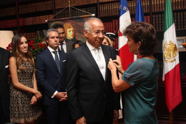 Ignacio Morales Lechuga es oficial de la Legión de Honor ...