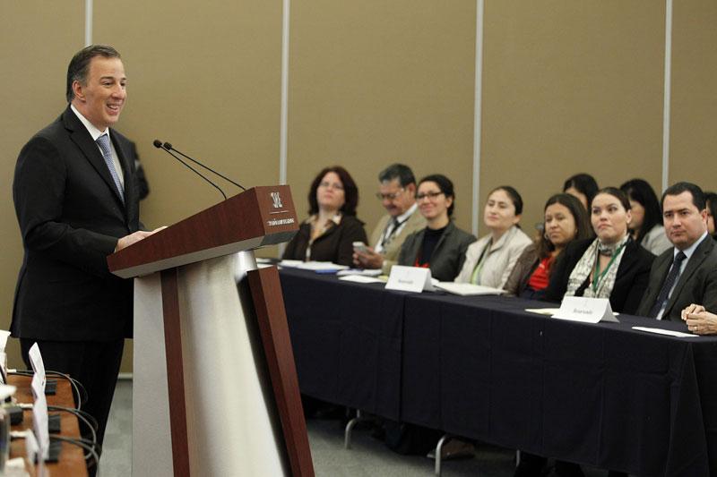 El canciller Meade inauguró reunión sobre protección y atención a migrantes