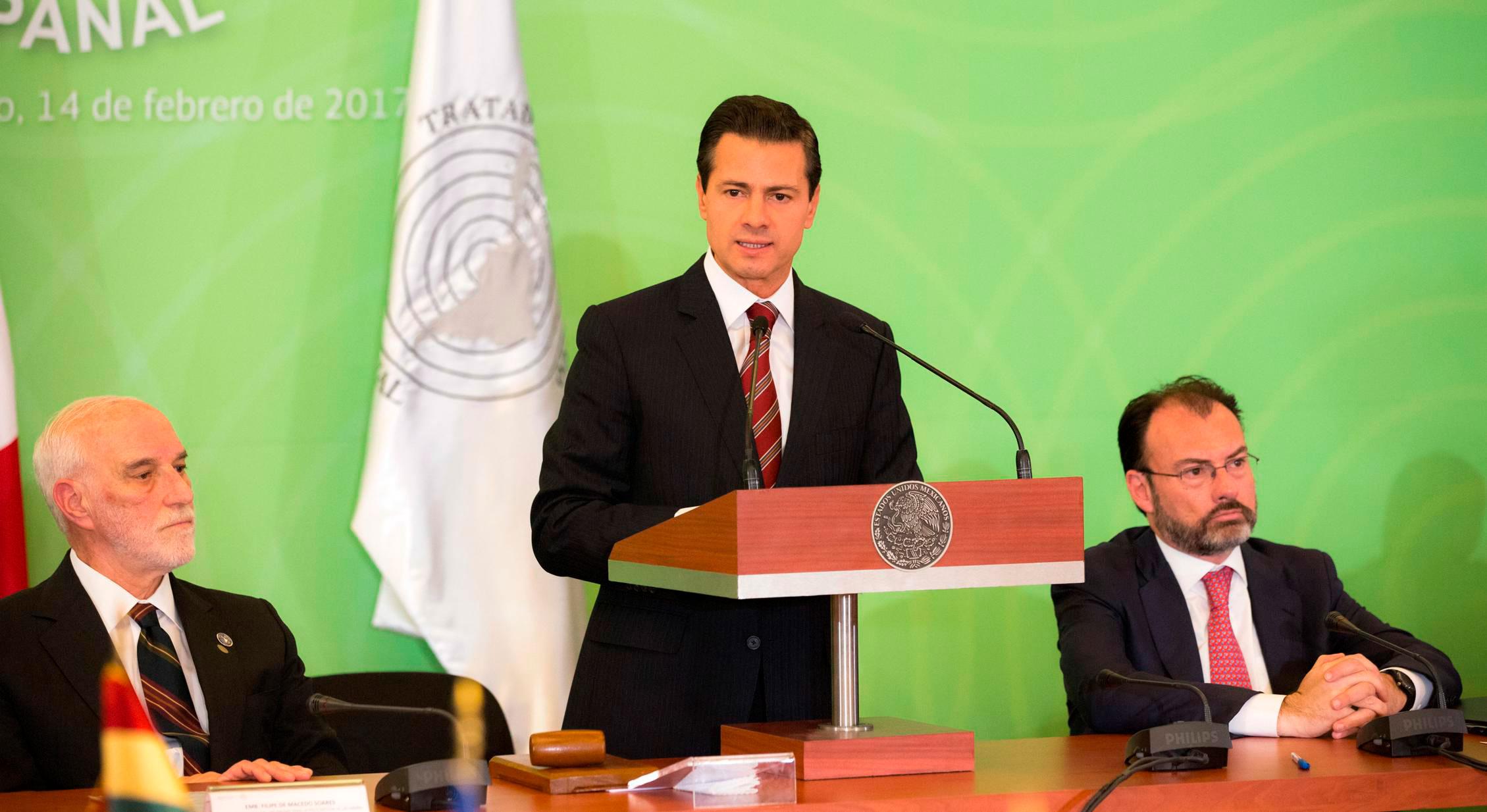 El presidente Enrique Peña Nieto agradeció a los pueblos de América Latina y el Caribe su apoyo frente a Estados Unidos