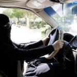 """Mujeres saudiárabes, con """"licencia"""" para conducir"""