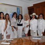 Durante dos horas, las mujeres compartieron experiencias de vida. Revista Protocolo Copyright©