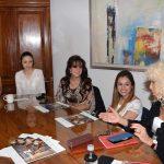 El feminismo fue uno de los temas que se abordaron en la reunión. Revista Protocolo Copyright©
