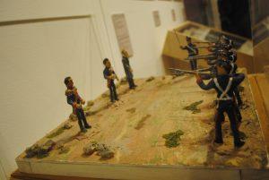 Maqueta que recrea el fusilamiento de Maximiliano de Habsburgo, Miguel Miramón y Tomás Mejía. Foto: propiedad de la revista Protocolo Copyright©